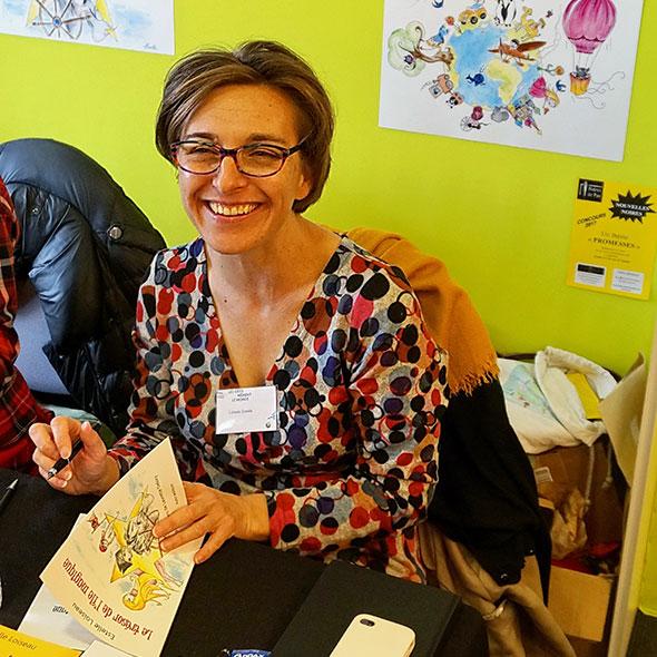 Salon du livre de Pau - Les idées mènent le monde - 2017 - Estelle Loiseau dédicace le trésor de l'île magique